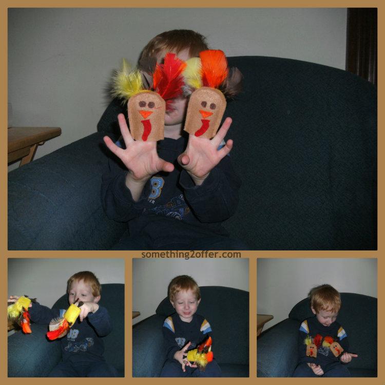 felt finger puppets play turkeys