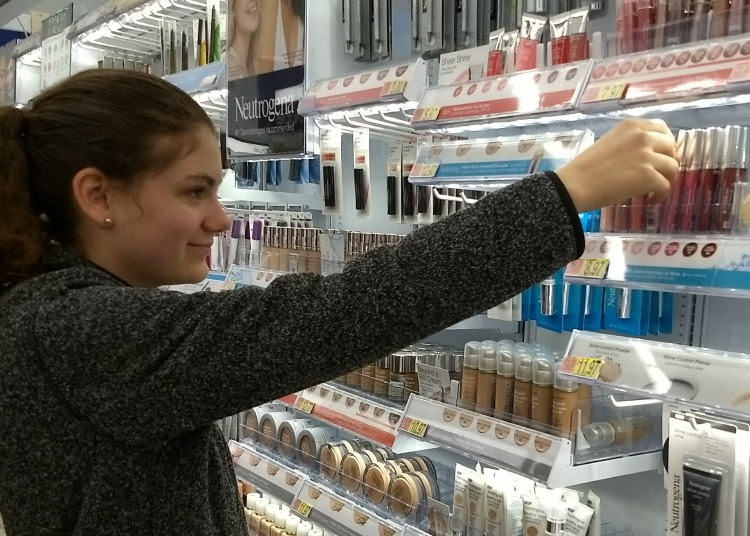 Neutrogena choosing lip shine